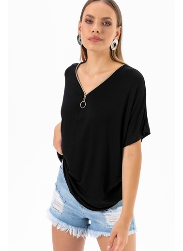 Emjey Yakası Yarım Fermuarlı T-Shirt Siyah
